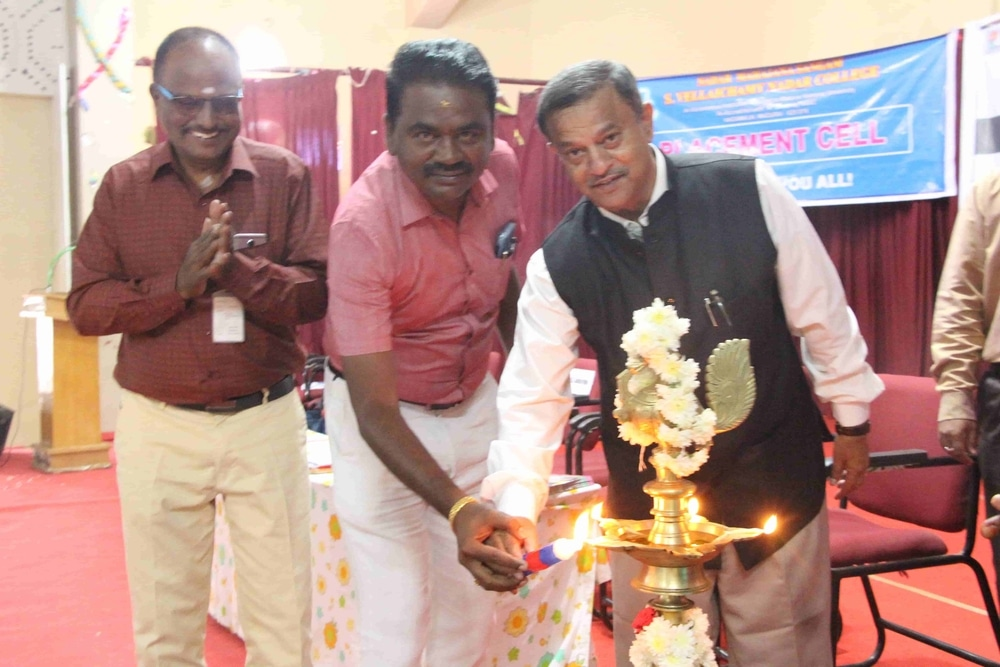 Seminar On Skills Required For Fresh Graduates In Today Market (28)