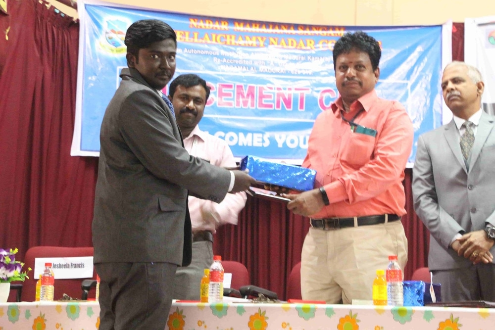 Seminar On Skills Required For Fresh Graduates In Today Market (32)