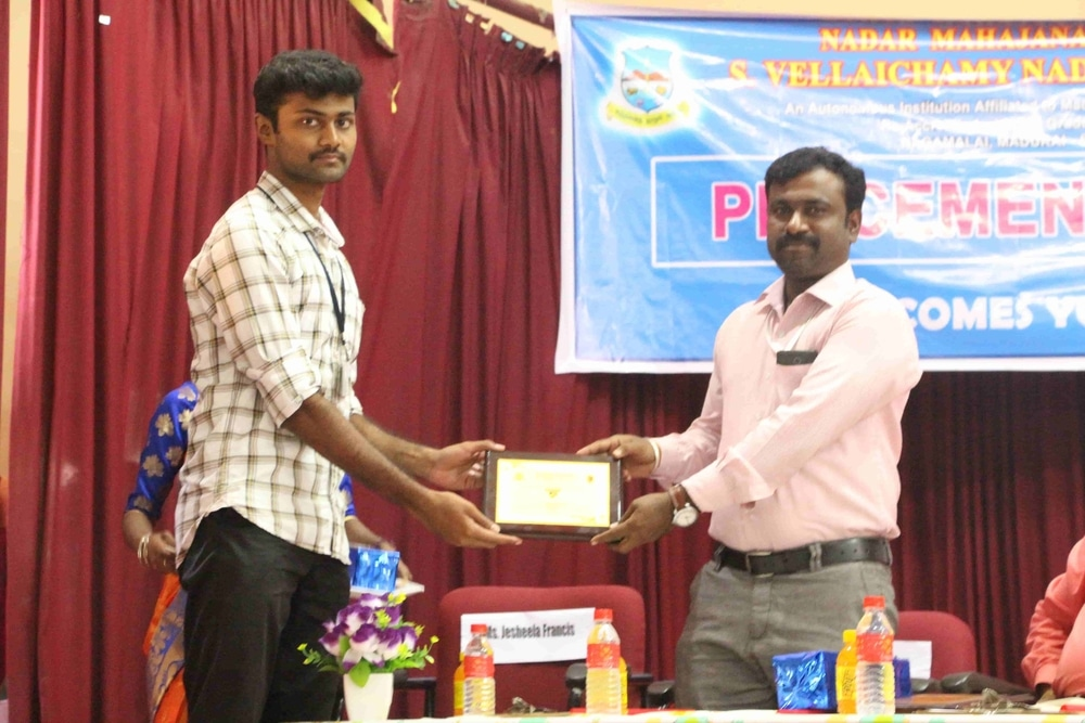 Seminar On Skills Required For Fresh Graduates In Today Market (33)
