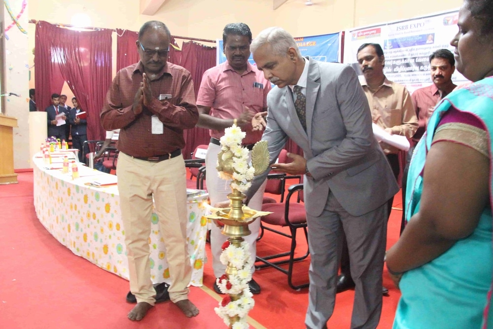 Seminar On Skills Required For Fresh Graduates In Today Market (36)