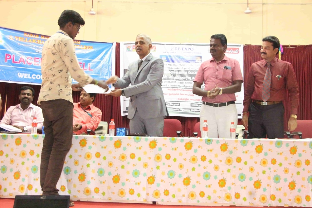 Seminar On Skills Required For Fresh Graduates In Today Market (8)