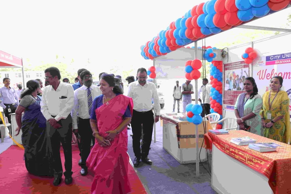 chief_guest_visiting_UvpoB